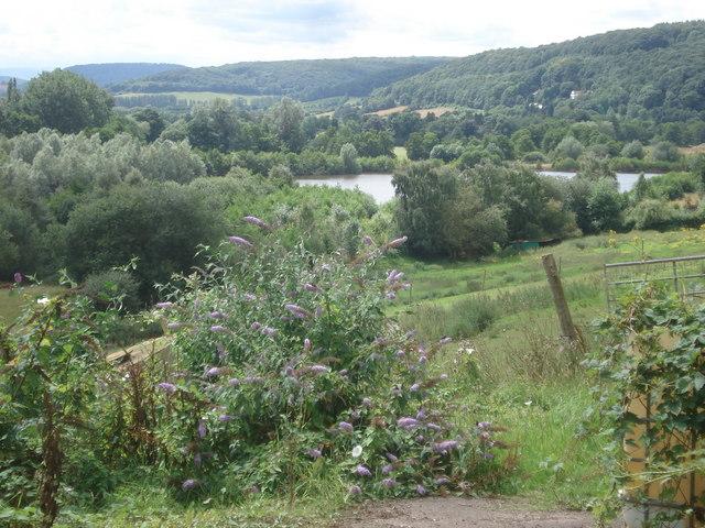Gravel pits at Bodenham - geograph.org.uk - 527032