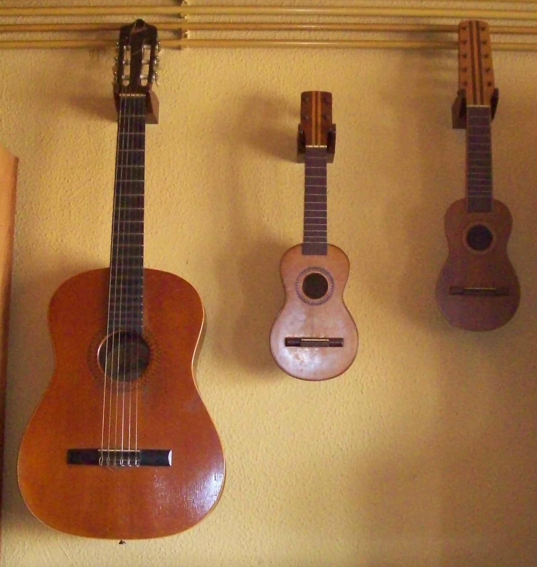 Guitarra Yamaha C