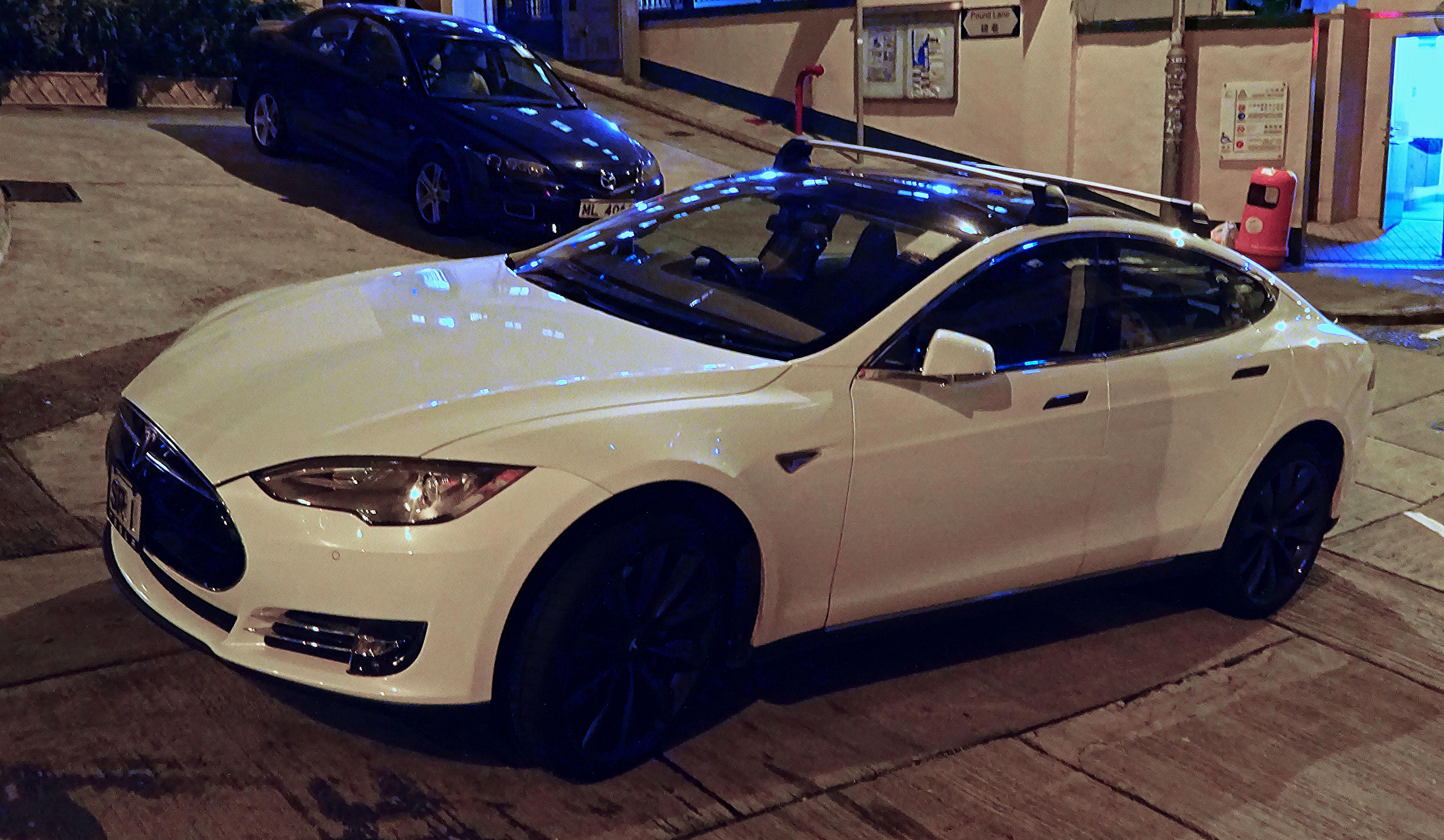 1c637fdb13 File HK SW Tesla Model S Jan 2016 trimed.jpg - Wikimedia Commons