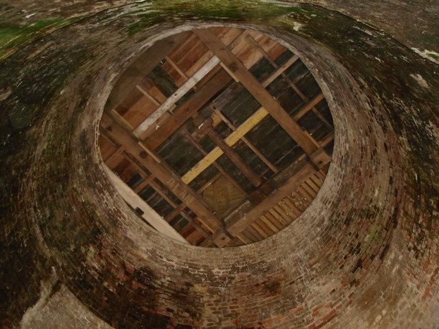 Halnaker Windmill - interior - geograph.org.uk - 1188163