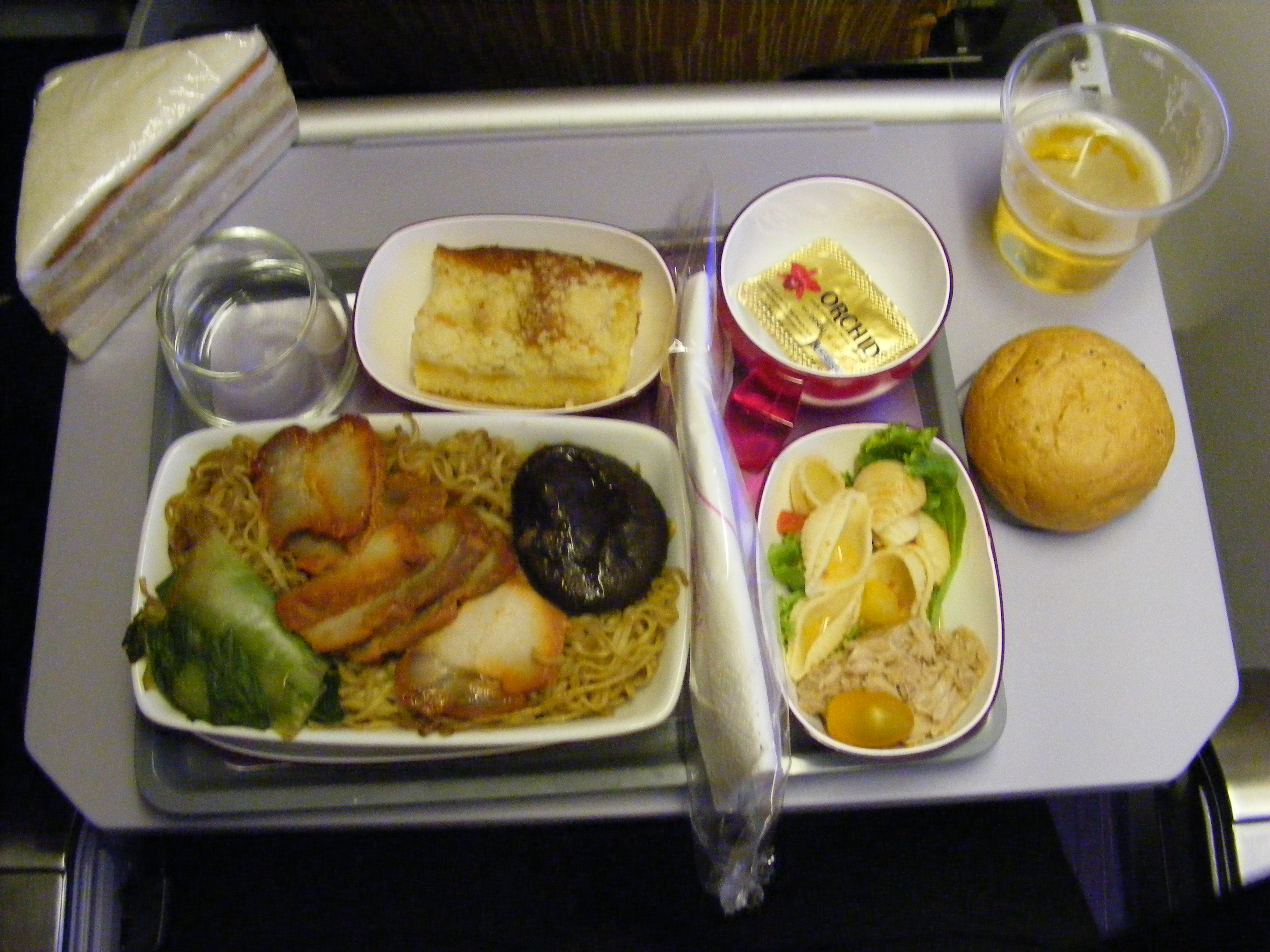 File inflight dinner thai airways tg924 jpg wikimedia for Air thai cuisine