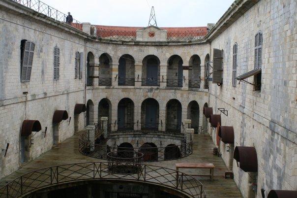 Fichier:Intérieur Fort Boyard.jpg — Wikipédia