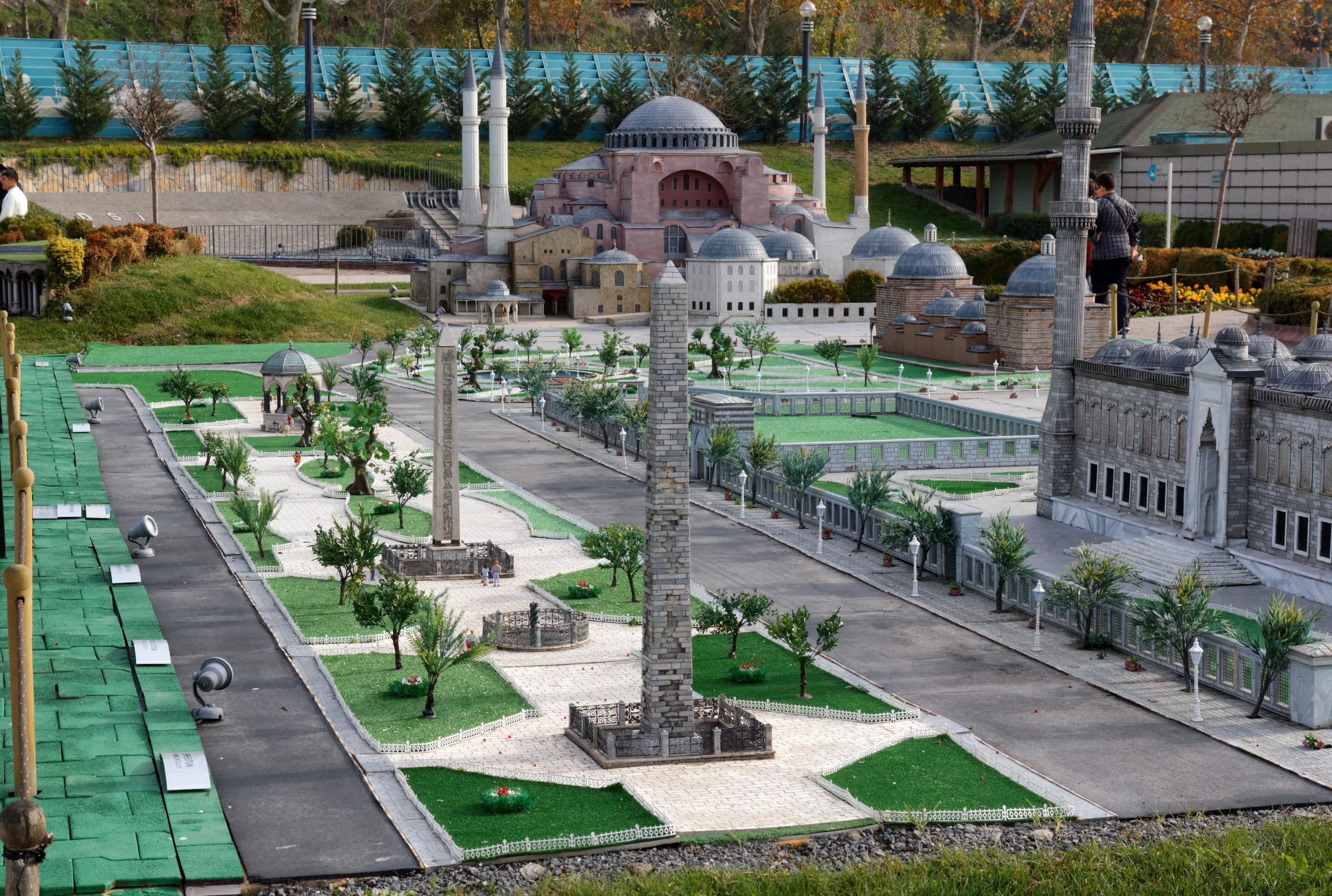 File:Istanbul Miniatürk Sultan Ahmet Square IMG 8346 1920 ...