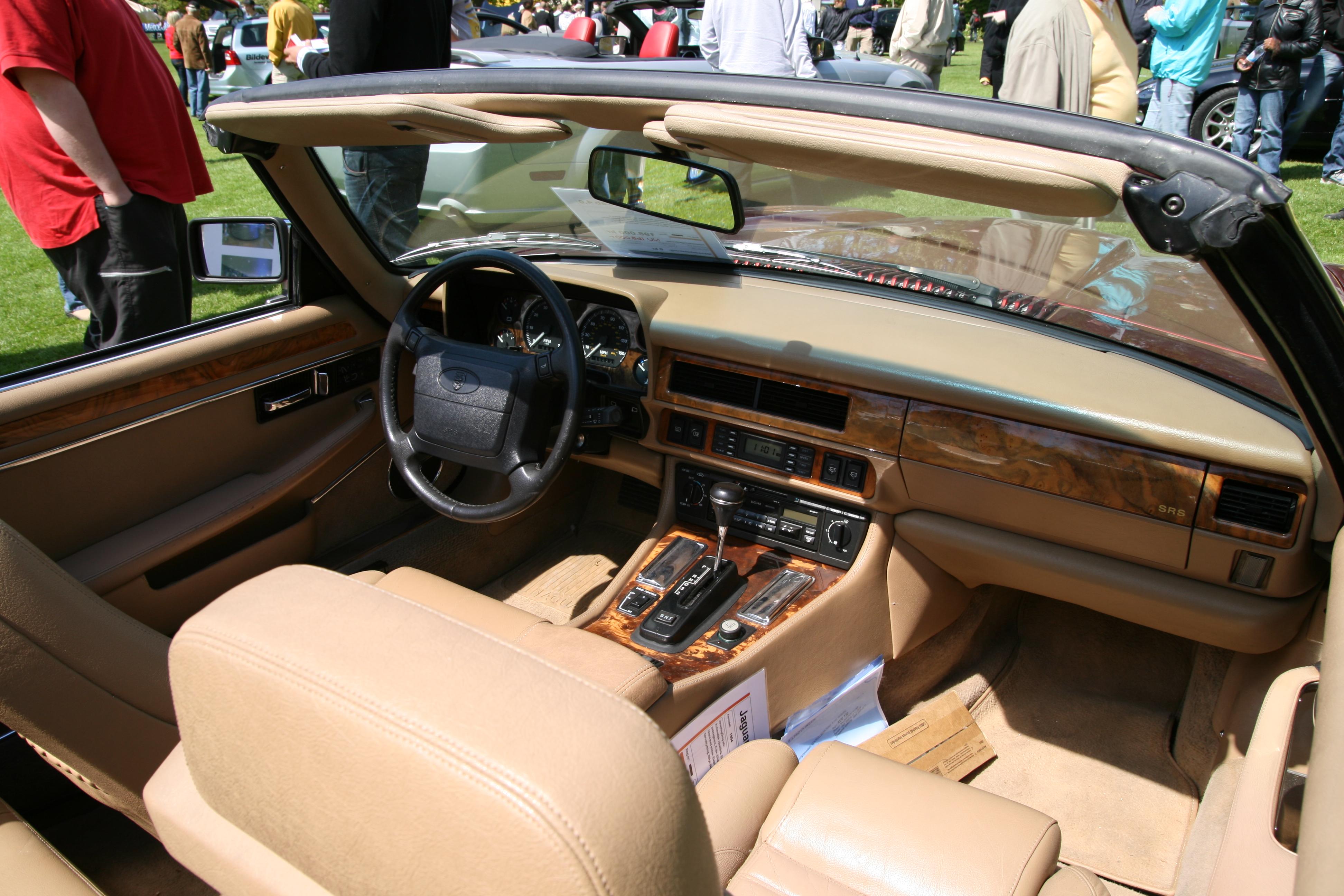 File:Jaguar XJS Convertible (1994) interior.jpg ...