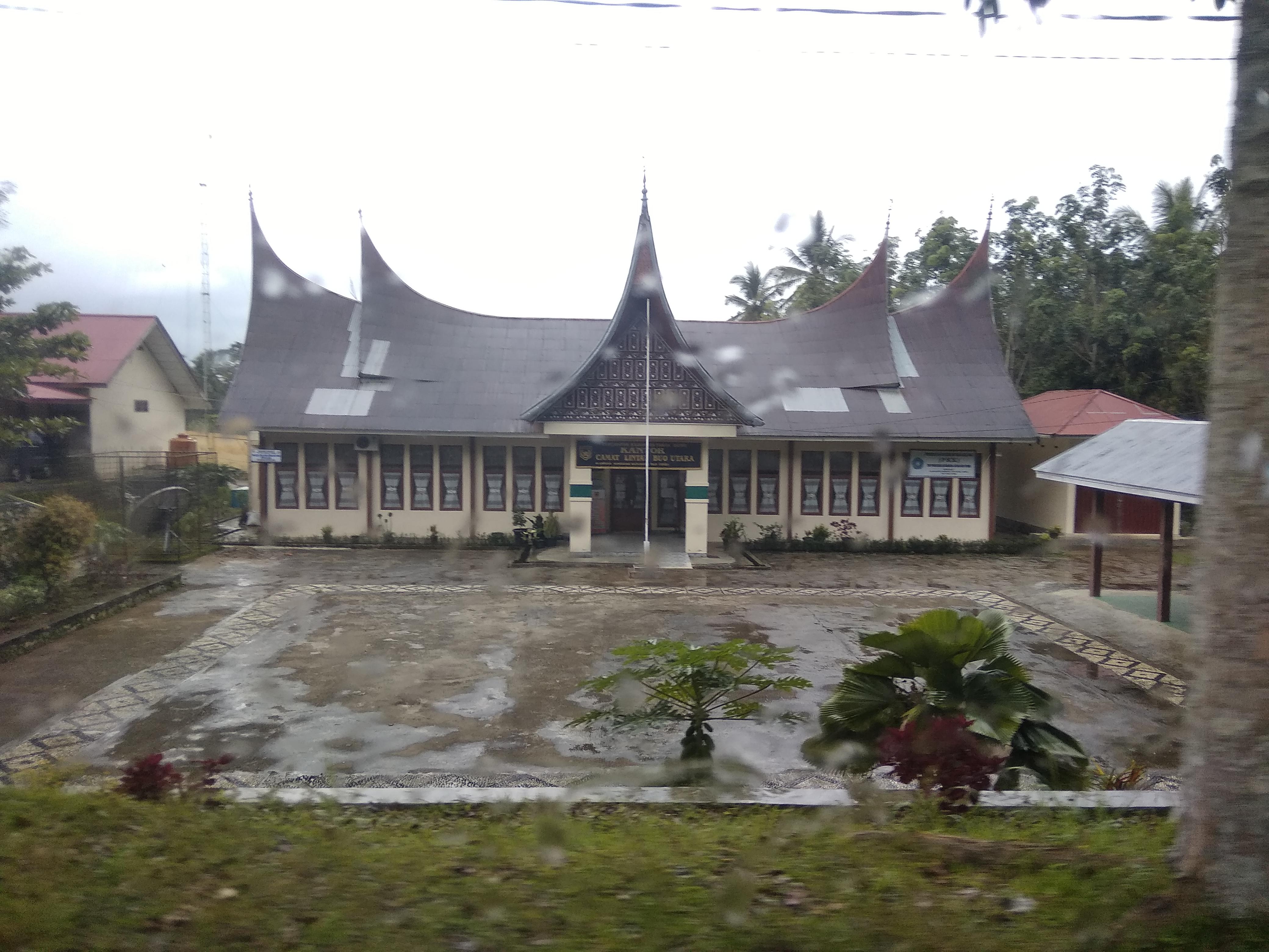 Berkas Kantor Camat Lintau Buo Utara Jpg Wikipedia Bahasa Indonesia Ensiklopedia Bebas
