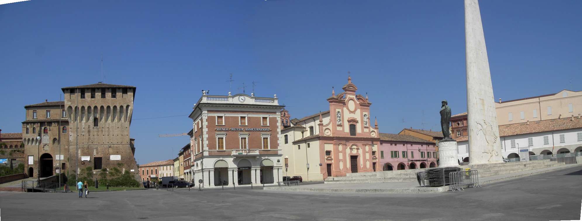 La_piazza_del_mercato_%28Lugo%2C_Italy%29.jpg