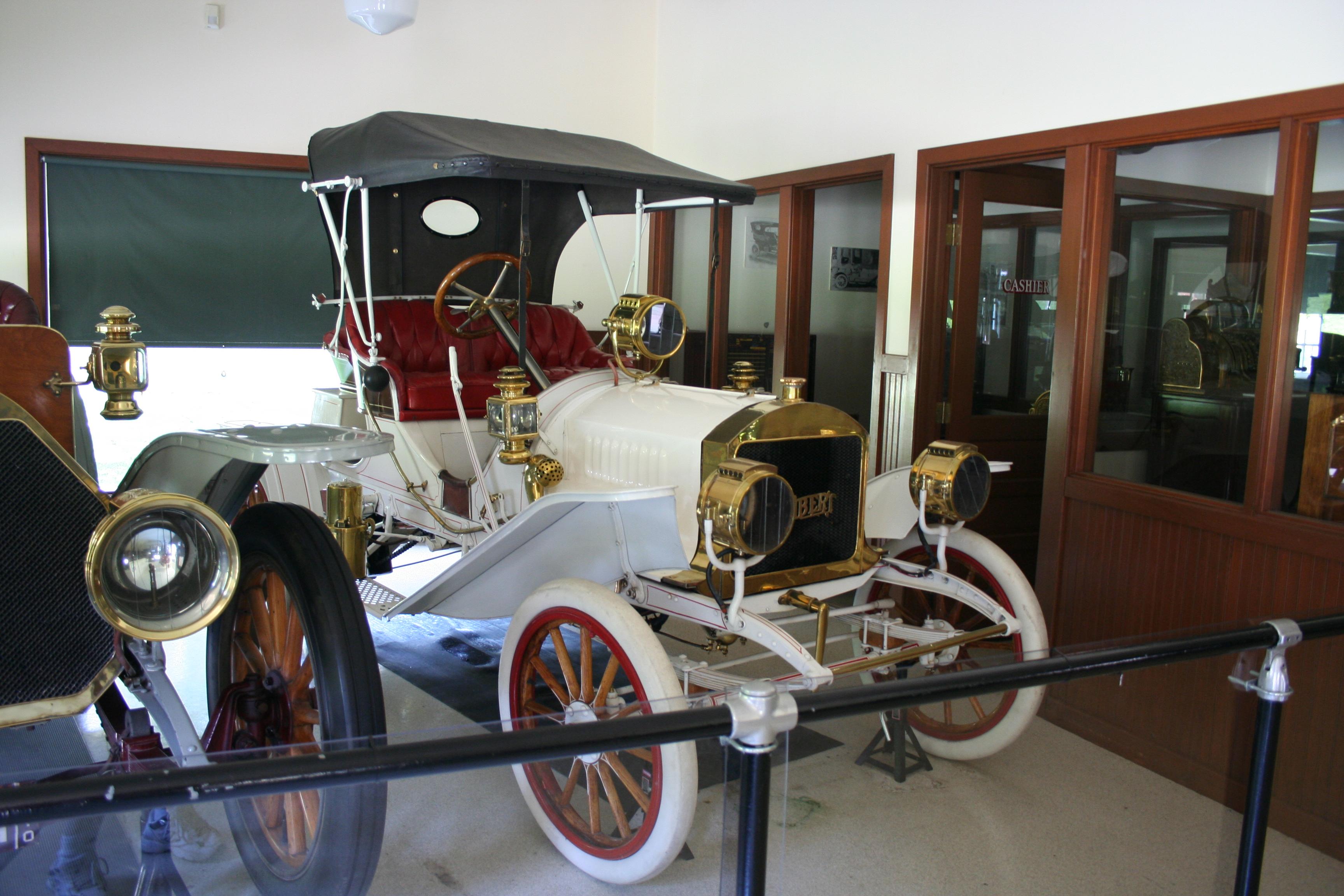 Lambert_car_1907.jpg