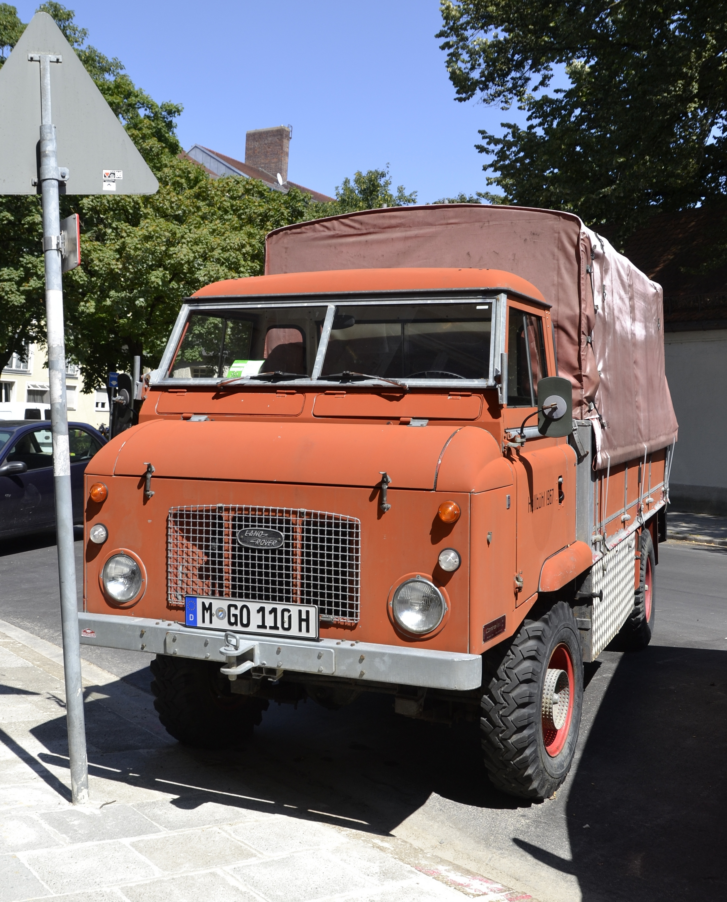 File:Land Rover Series IIB FC Truck In Munich -02.jpg