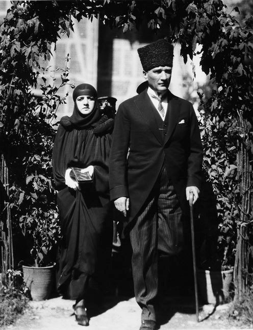 Filelatife Hanım Ve Mustafa Kemaljpg Wikimedia Commons