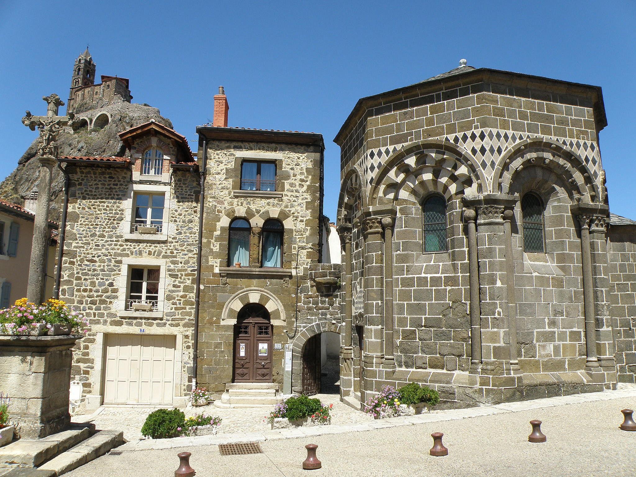 Architecte Le Puy En Velay file:le puy-en-velay chapelle saint-clair2 - wikimedia