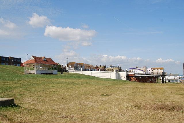 File:Looking towards King's Hall, Herne Bay - geograph.org.uk - 1470441.jpg