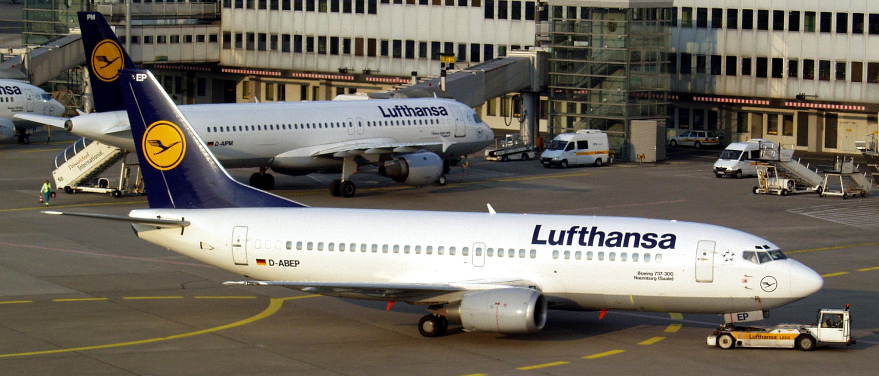 Resultado de imagen para lufthansa Boeing 737 classic