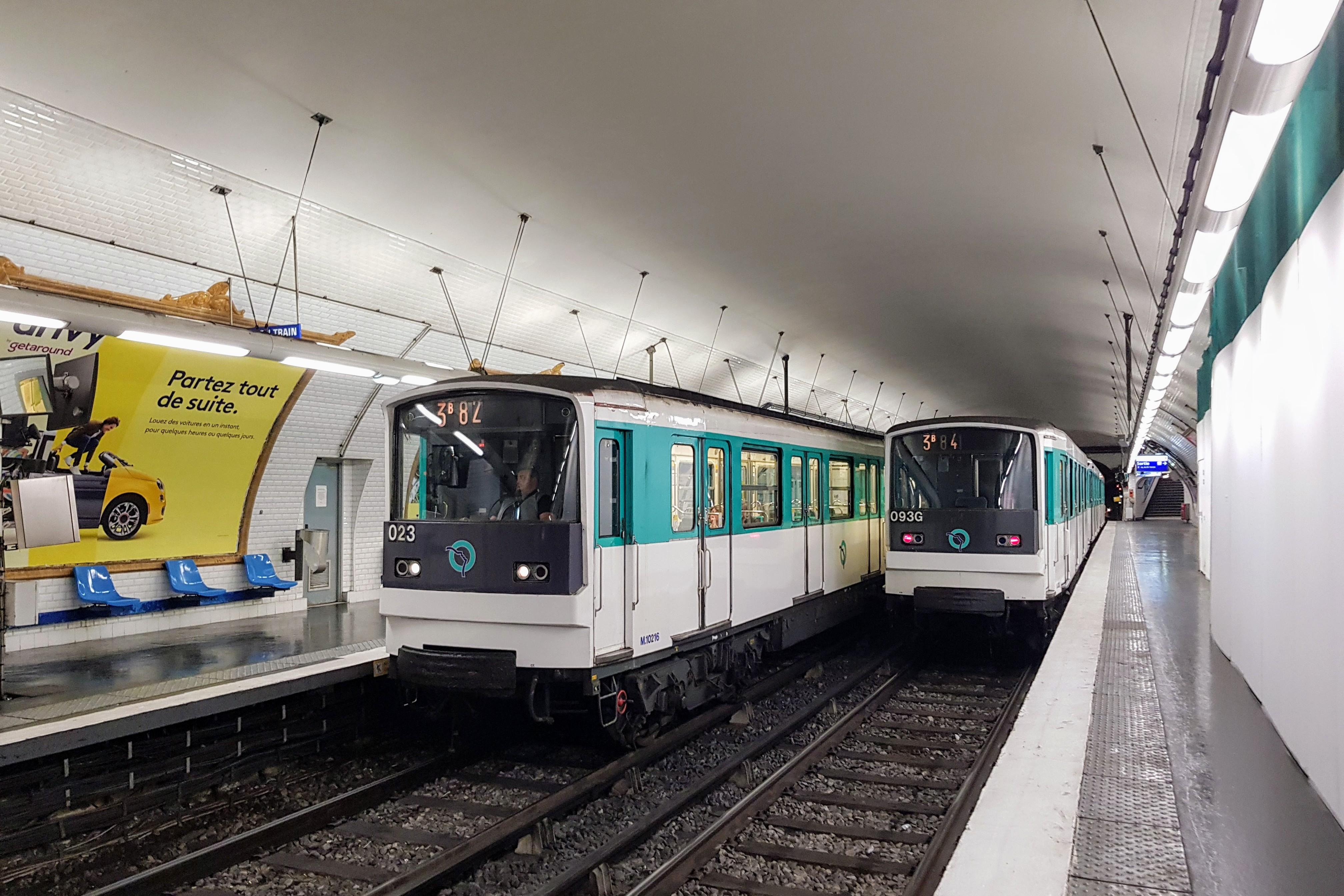 Paris : 6 personnes que vous avez forcément déjà rencontré dans le métro…