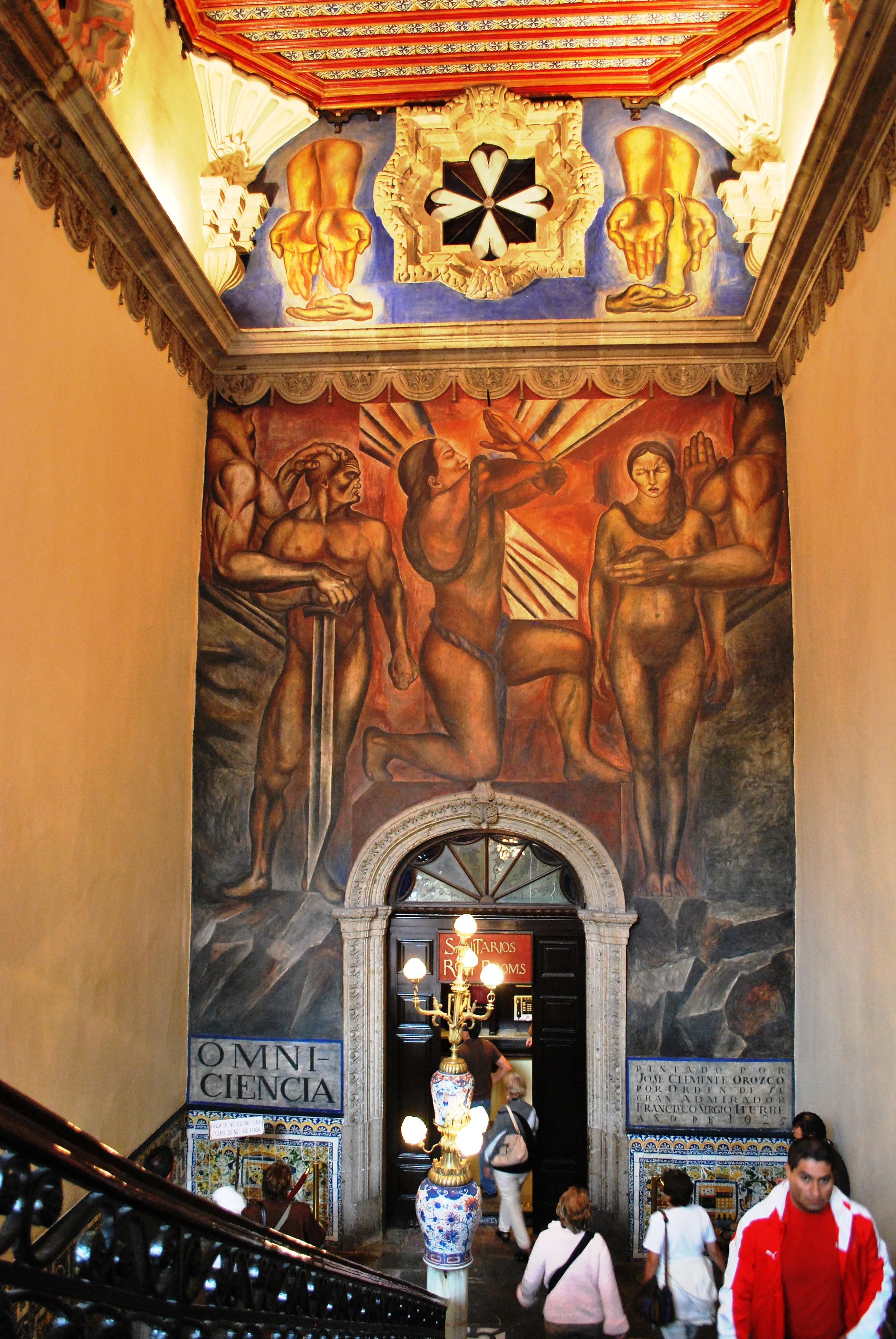 File mural en las escaleras en la casa de los for Casa de azulejos