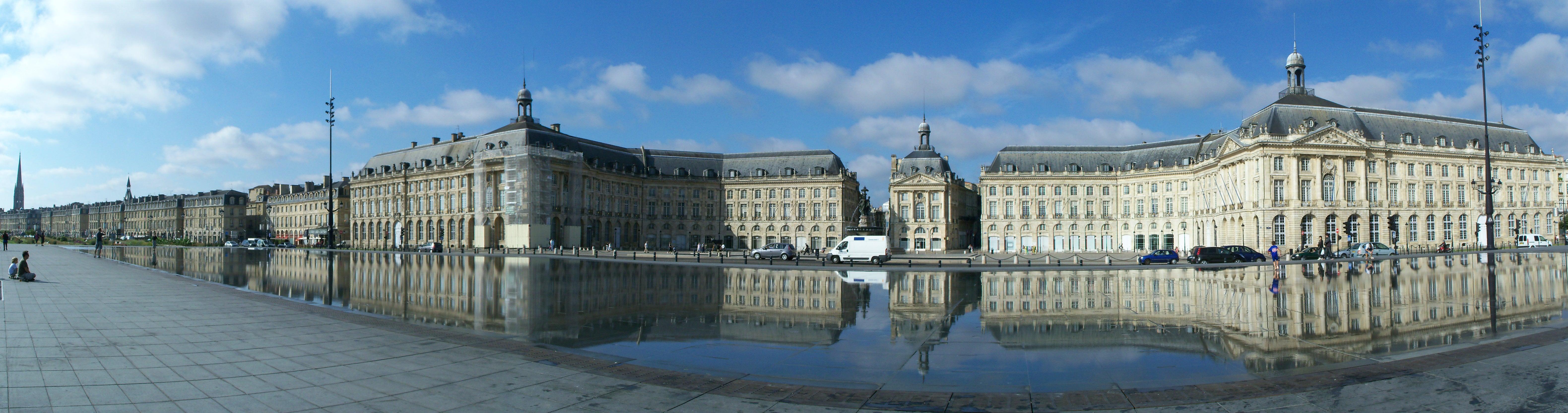 File miroir d 39 eau bordeaux wikimedia commons for Miroir d eau bordeaux
