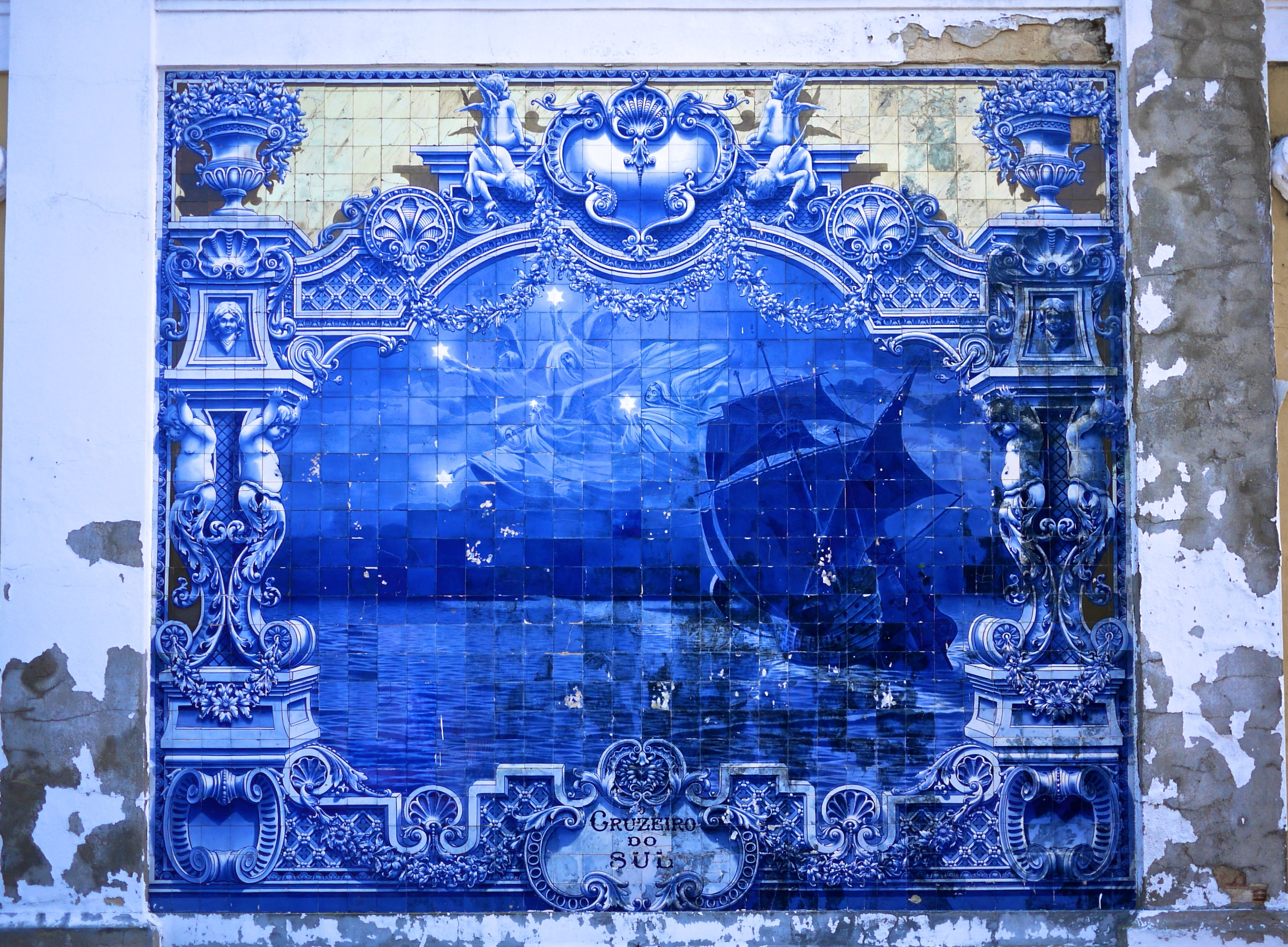 Azulejos un bleu qui ne dit pas son nom blog trotteurs for In fine architectes