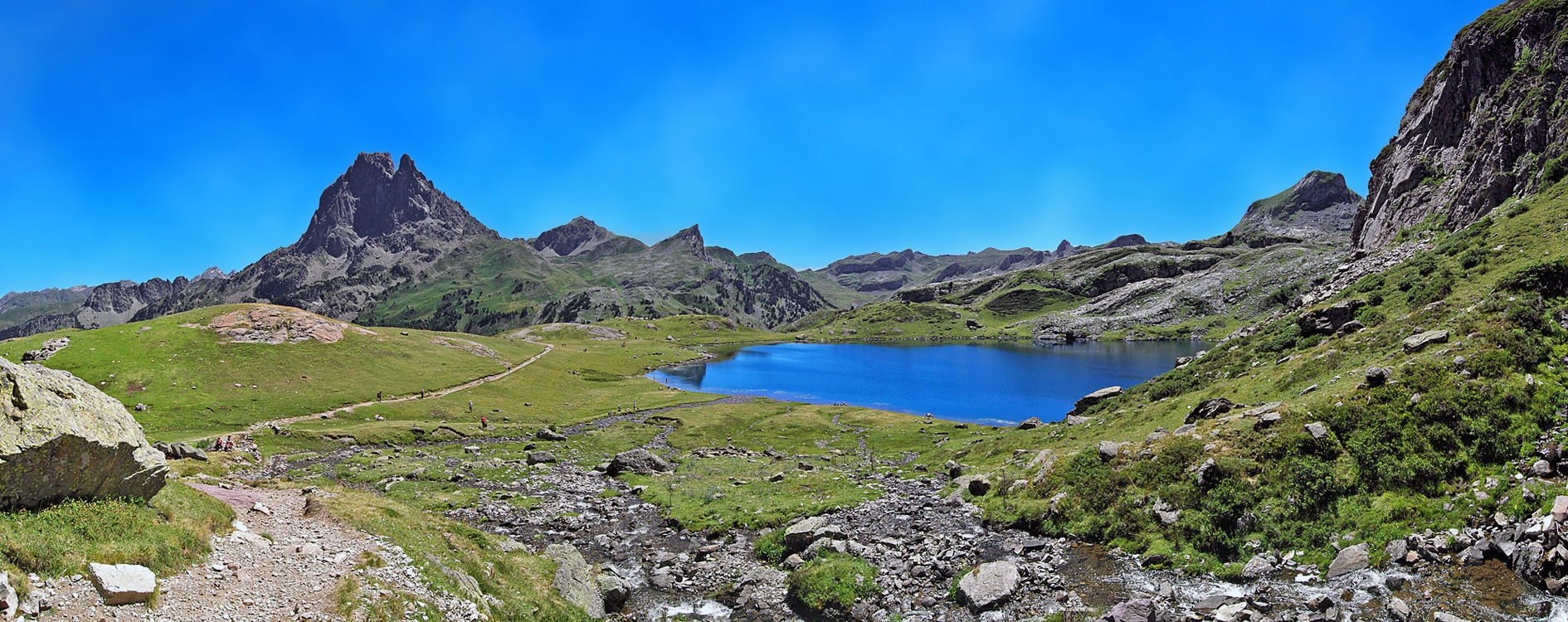 Pic du Midi d'Ossau. Source: . Credit: Guimir .