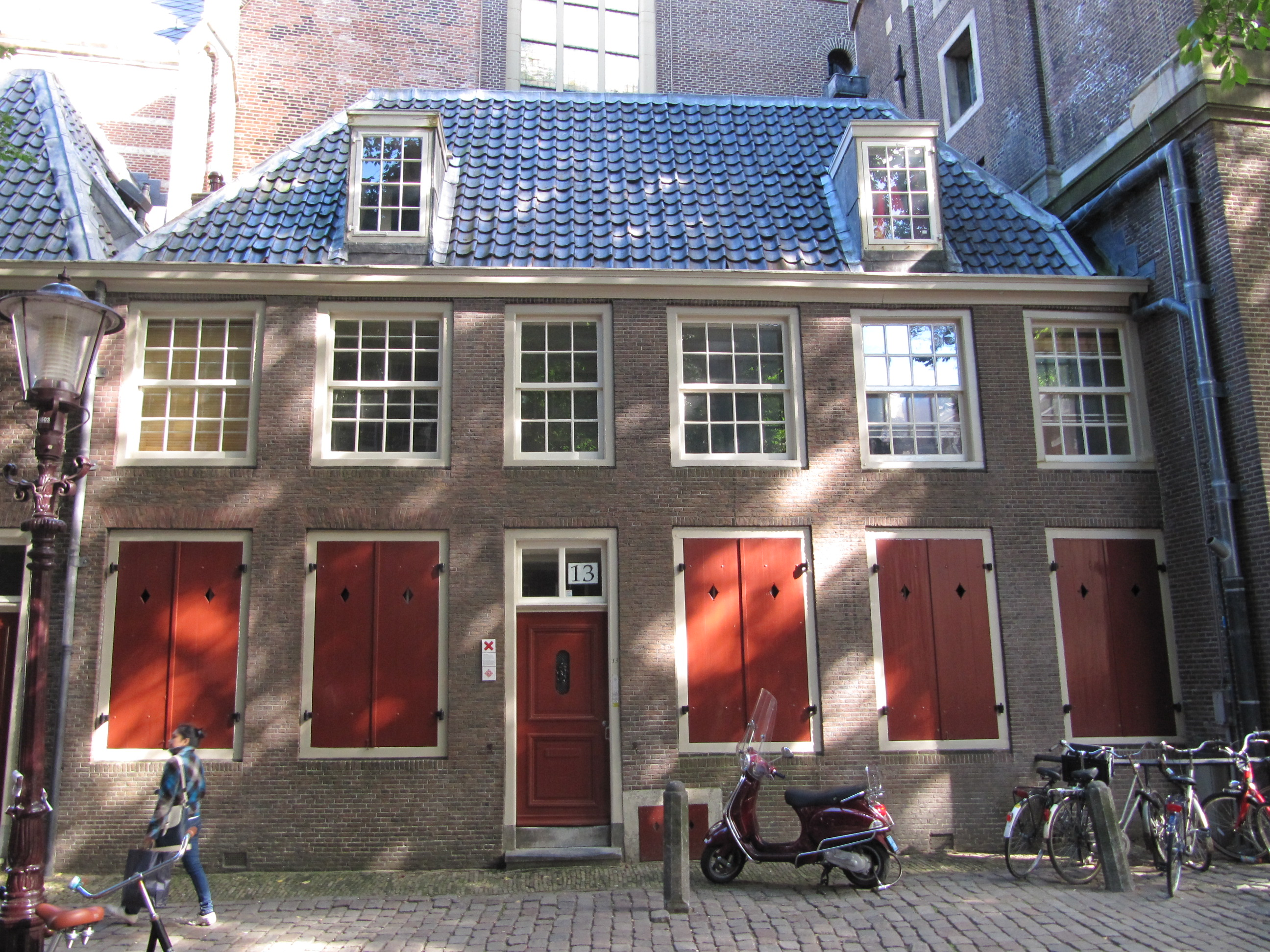 File:RM3989 Amsterdam - Oudekerksplein 13.jpg
