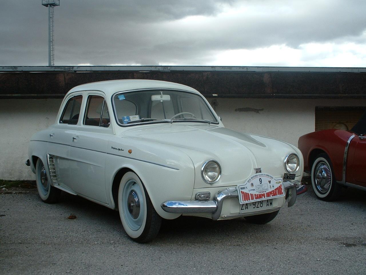Когда Маск ещё даже не родился Renault Dauphine