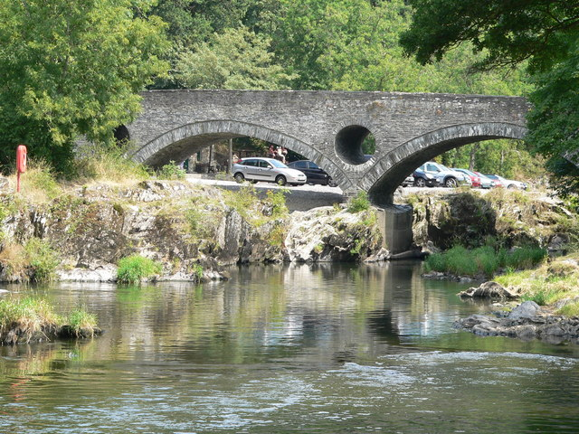 River Teifi and Cenarth Bridge - geograph.org.uk - 425551