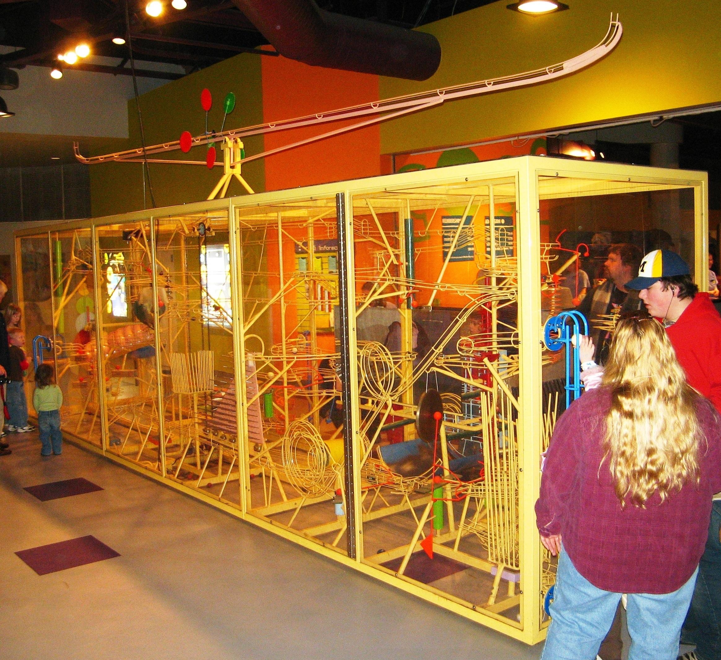 File:Rube Goldbergian music machine at COSI Toledo.JPG - Wikimedia ...