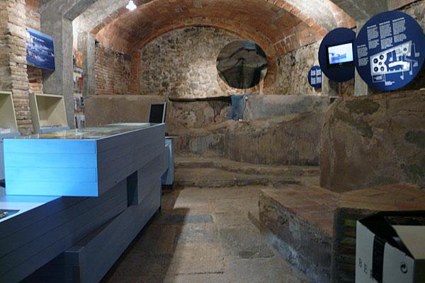 Interior del tenyidor de Sa Perola, reconvertit en oficina de turisme