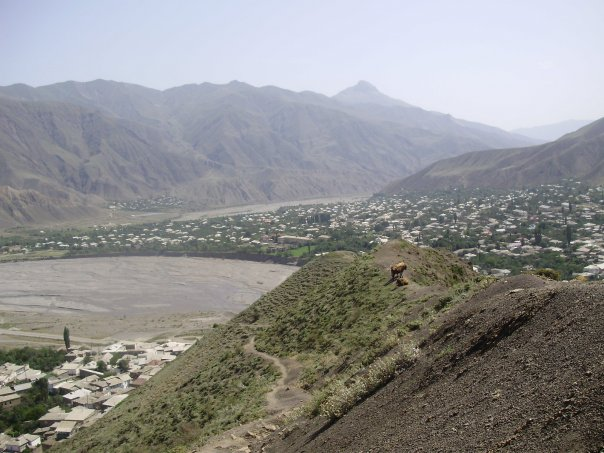 File:Samur ridge by the town of Akhty.jpg