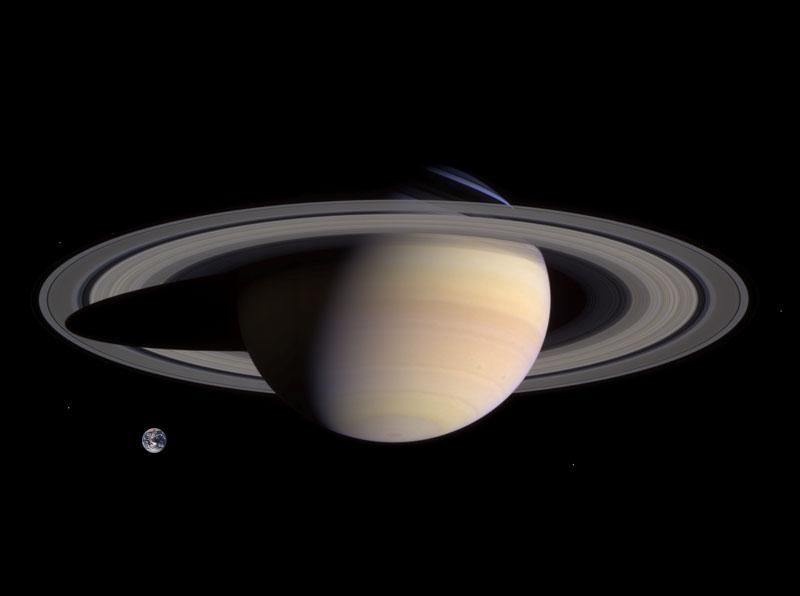 Saturnus planet terindah di tata surya dibandingkan dengan planet Bumi