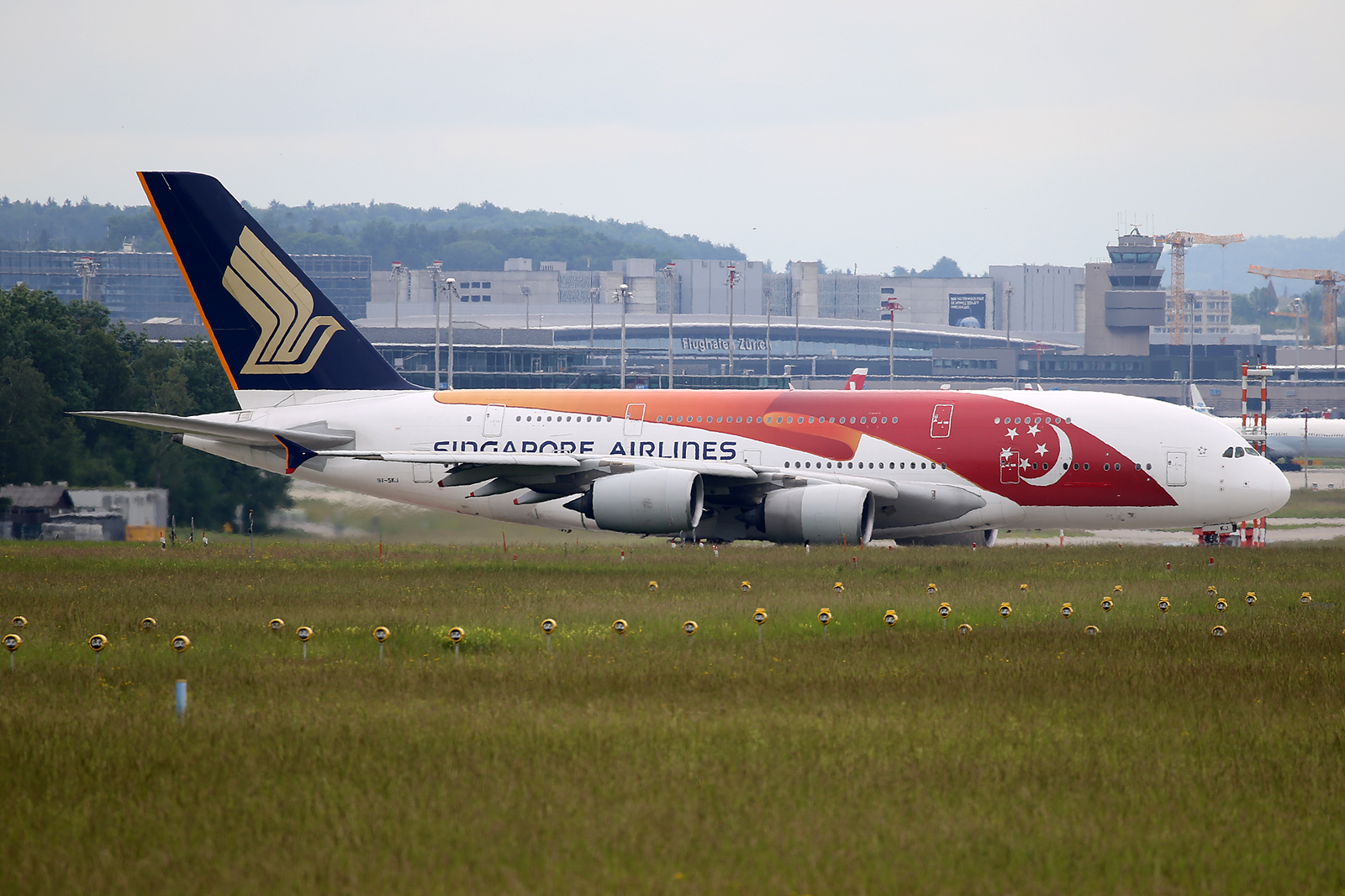 Filesingapore Airlines Airbus Av Skj Th Anniversary Livery  Jpg