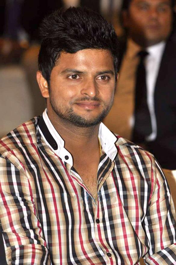 Photo de Suresh Raina avec un hauteur de 178 cm et à l'age de 34 en 2021