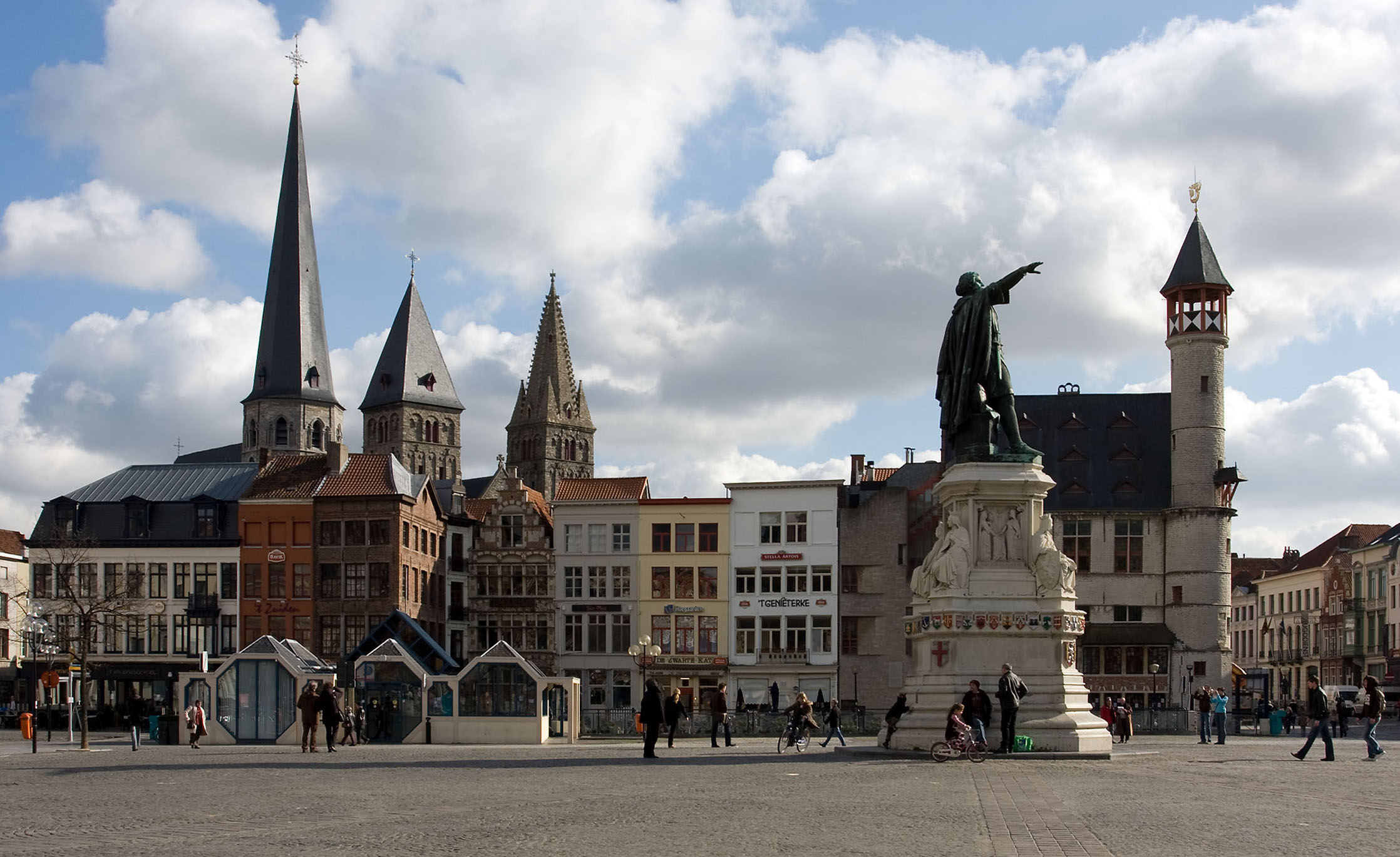 Vrijdagmarkt, Ghent - Wikipedia