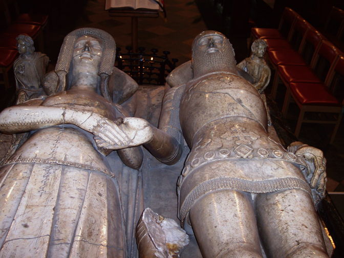Thomas de Beauchamp, Katherine Mortimer, Earl Warwick