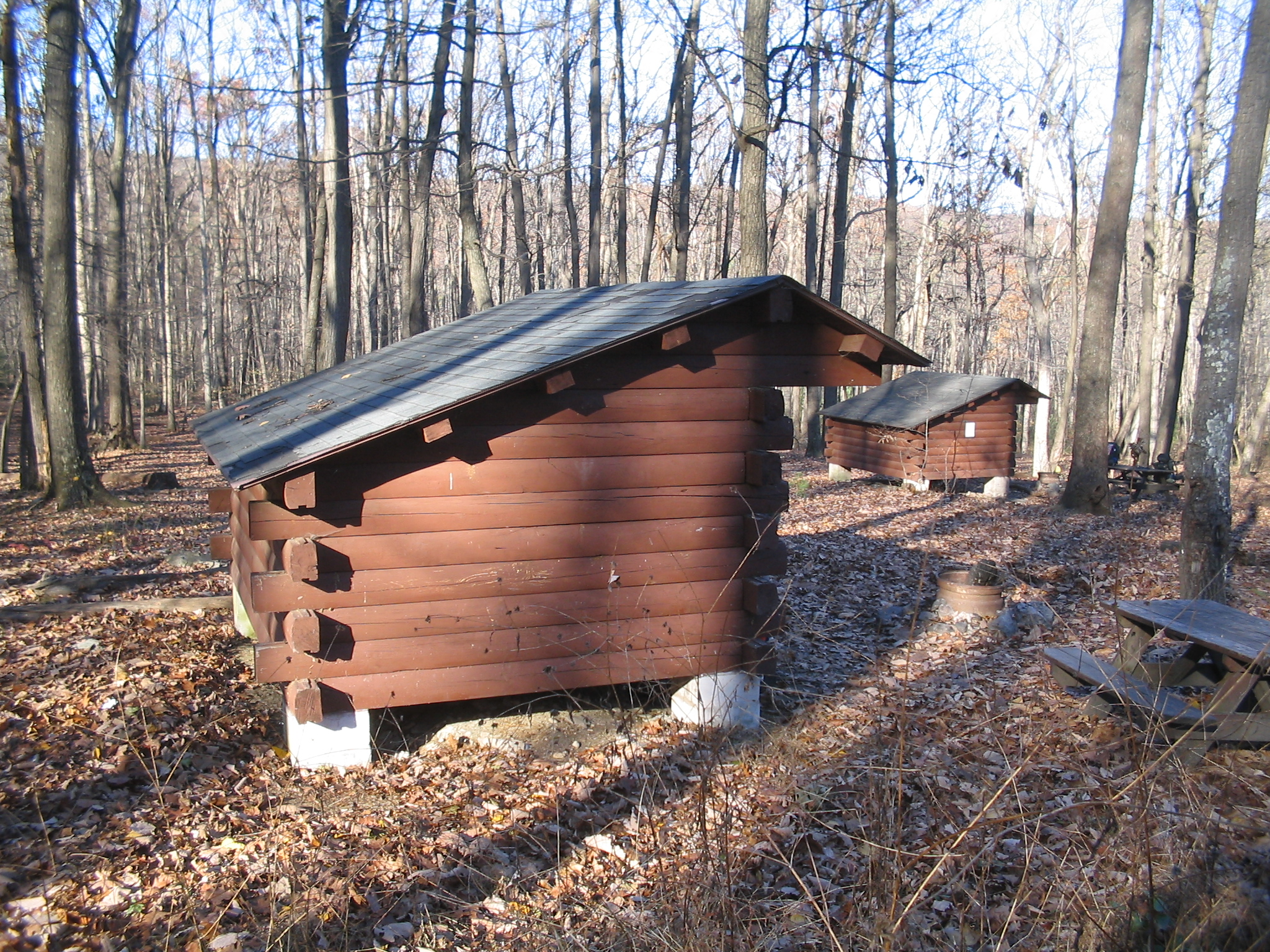 Types Of Lean To Shelter : File tom s run shelters g wikimedia commons