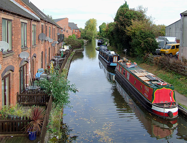 File:Trent and Mersey Canal in Rugeley, Staffordshire - geograph ...
