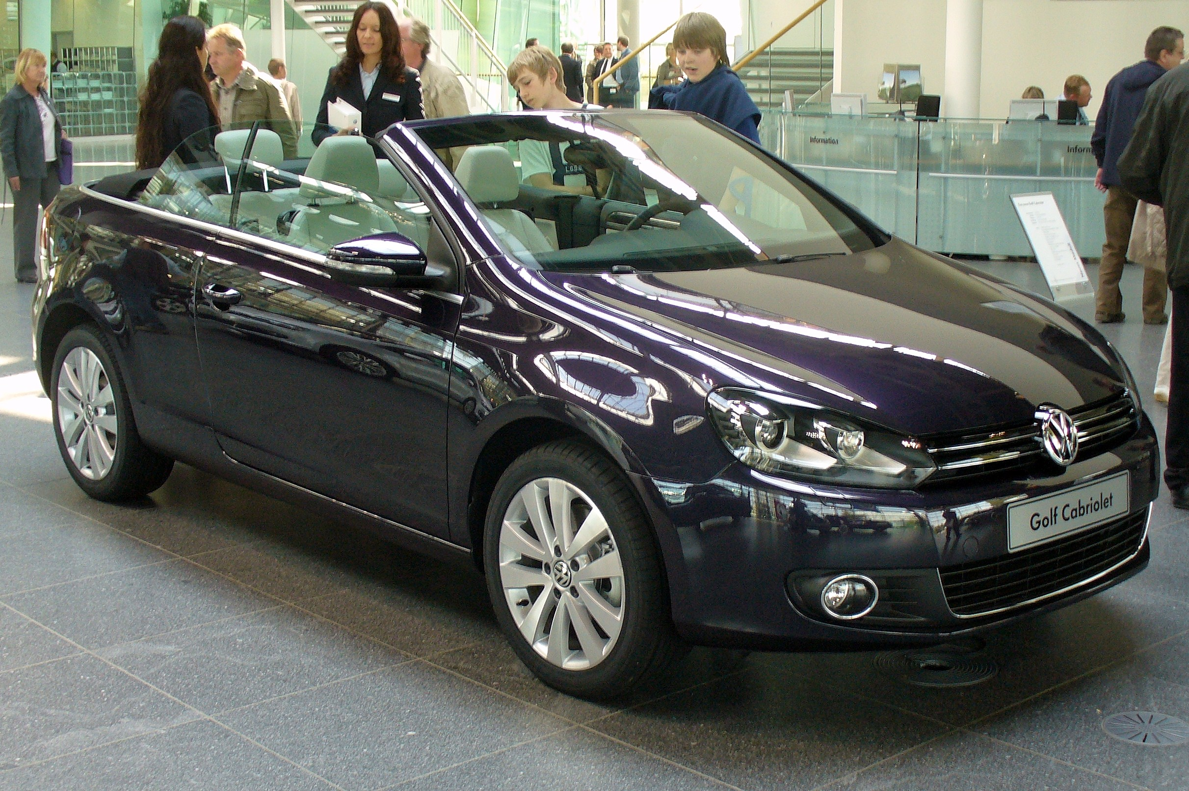 file vw golf vi cabriolet 1 4 tsi deeppurple jpg wikimedia commons. Black Bedroom Furniture Sets. Home Design Ideas