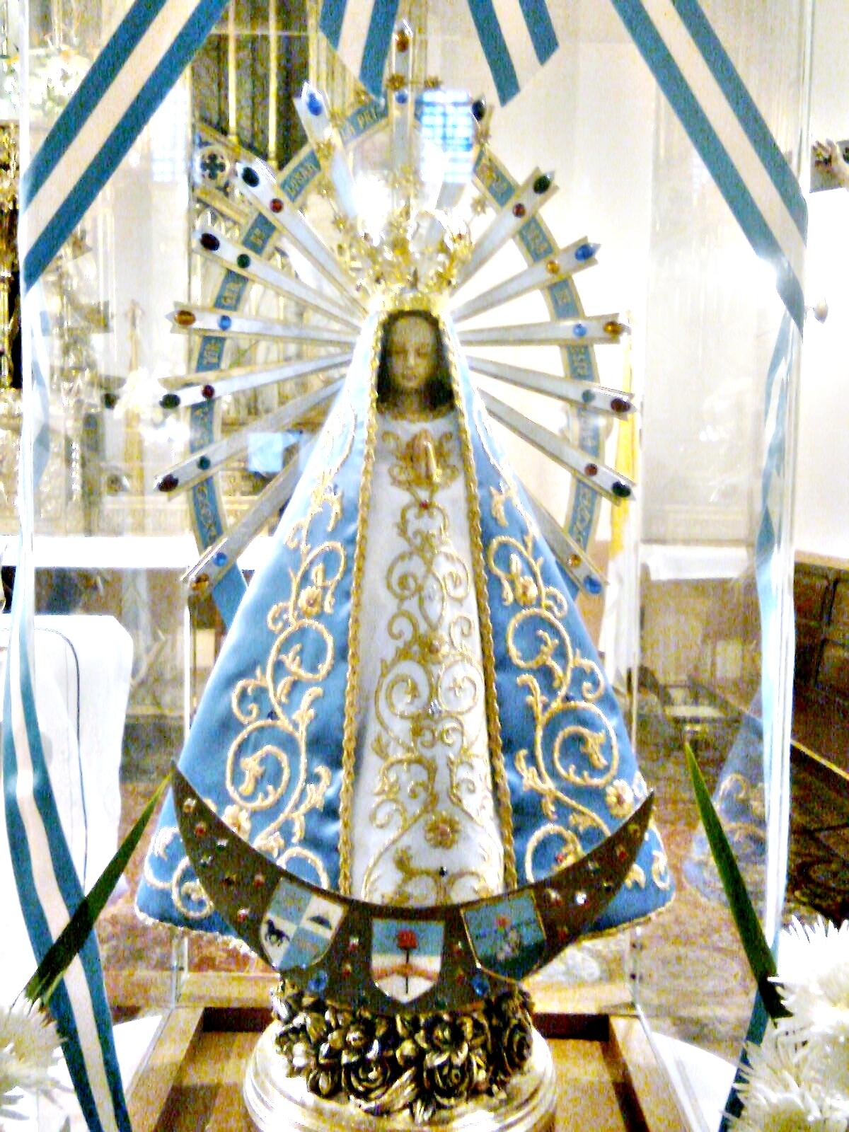 Descripción Virgen de Luján-Réplica.JPG