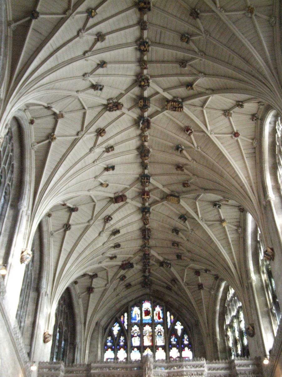 Où suis -je N°2 -ajonc -1er octobre trouvé par Martine Winchester_cathedral_006