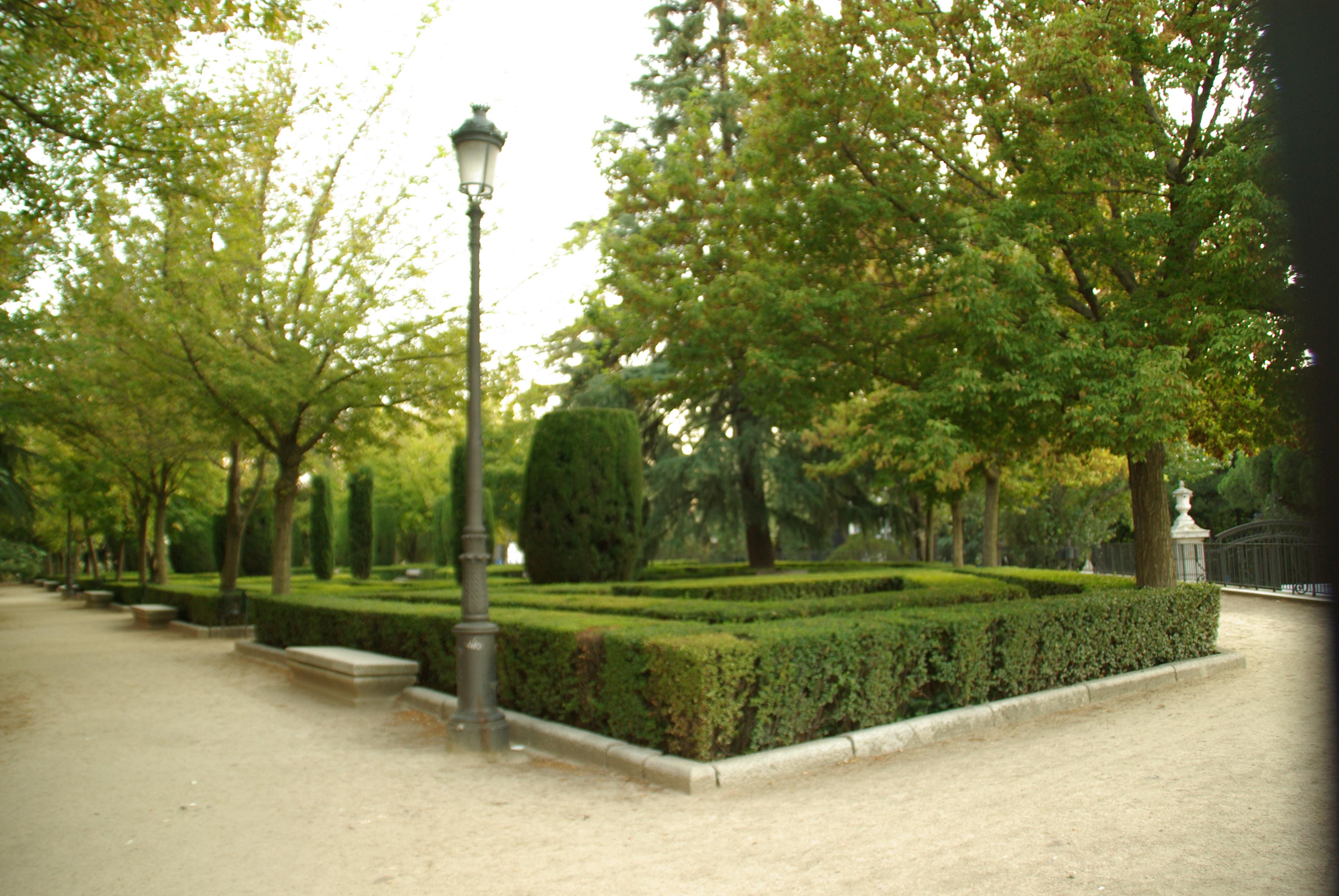 File s d es en madrid jardines de sabatini for Jardines 29 madrid