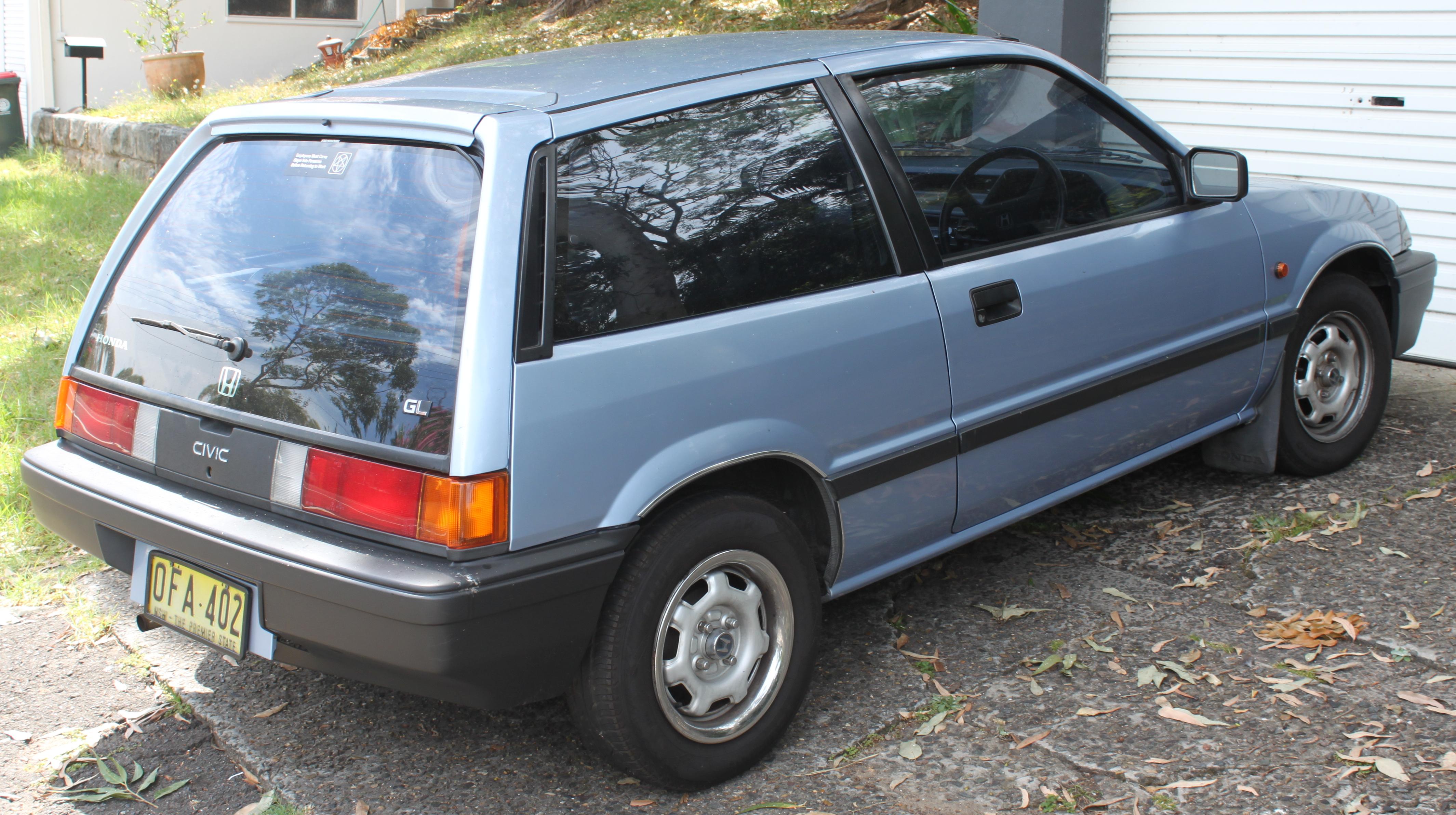 1986_Honda_Civic_%28AH%29_GL_hatchback_%