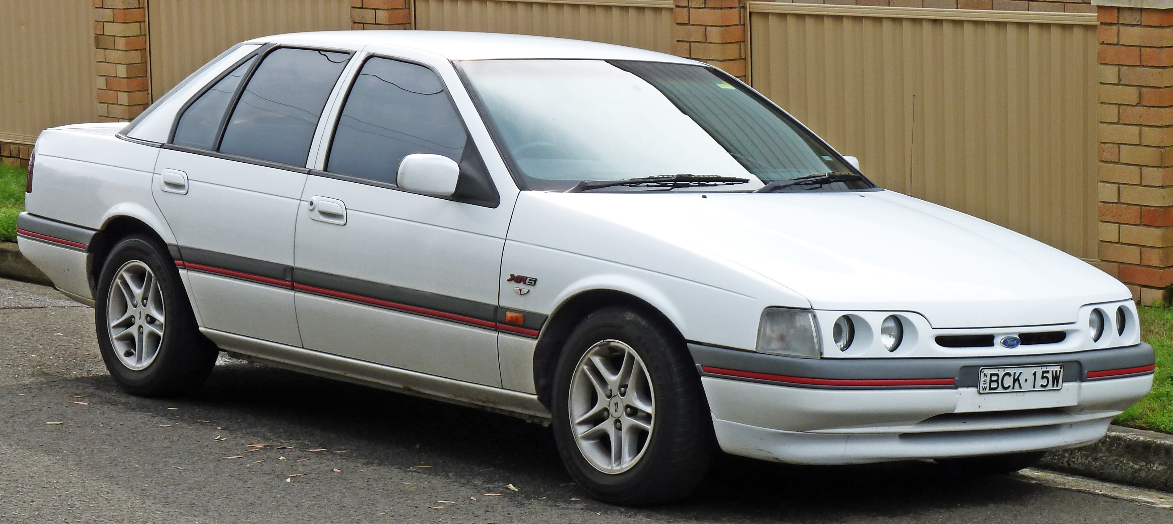File 1993 1994 Ford Ed Falcon Xr6 Sedan 01 Jpg Wikimedia