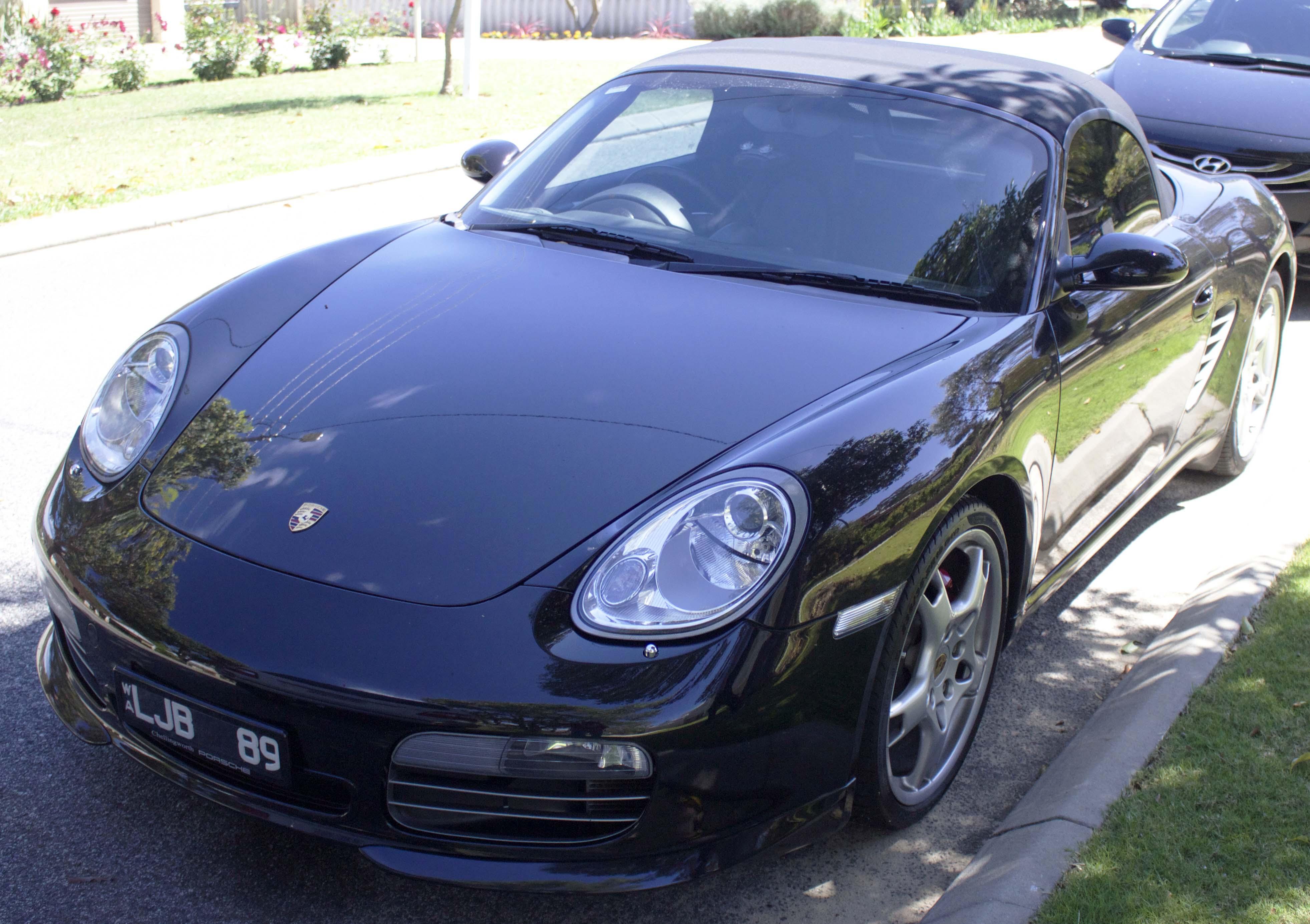 File:2005-2008 Porsche Boxster (987) S convertible (2015-10