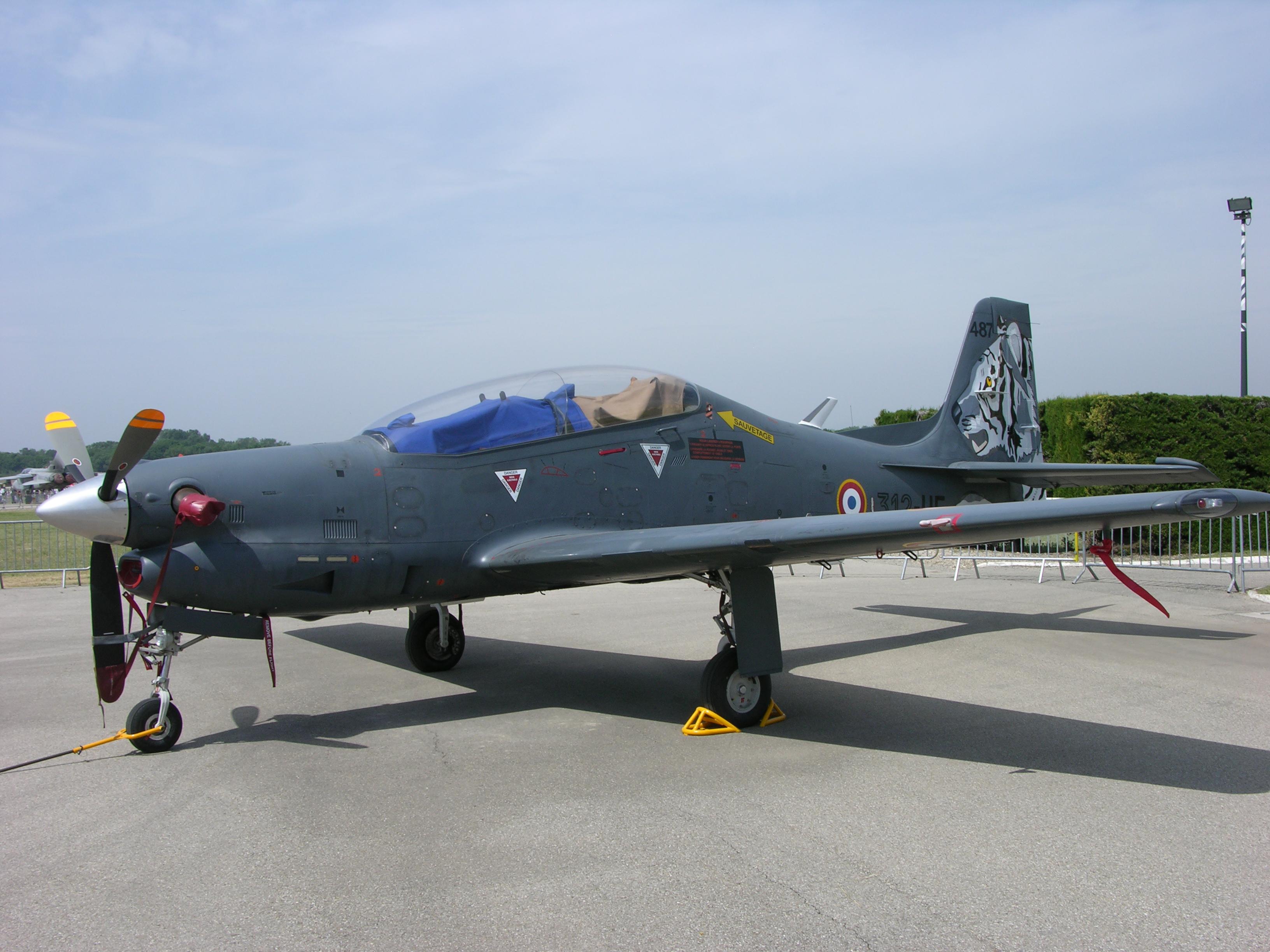 File:487 312-UF Embraer 312F Tucano DV 05.312 BA701 Salon de Provence.