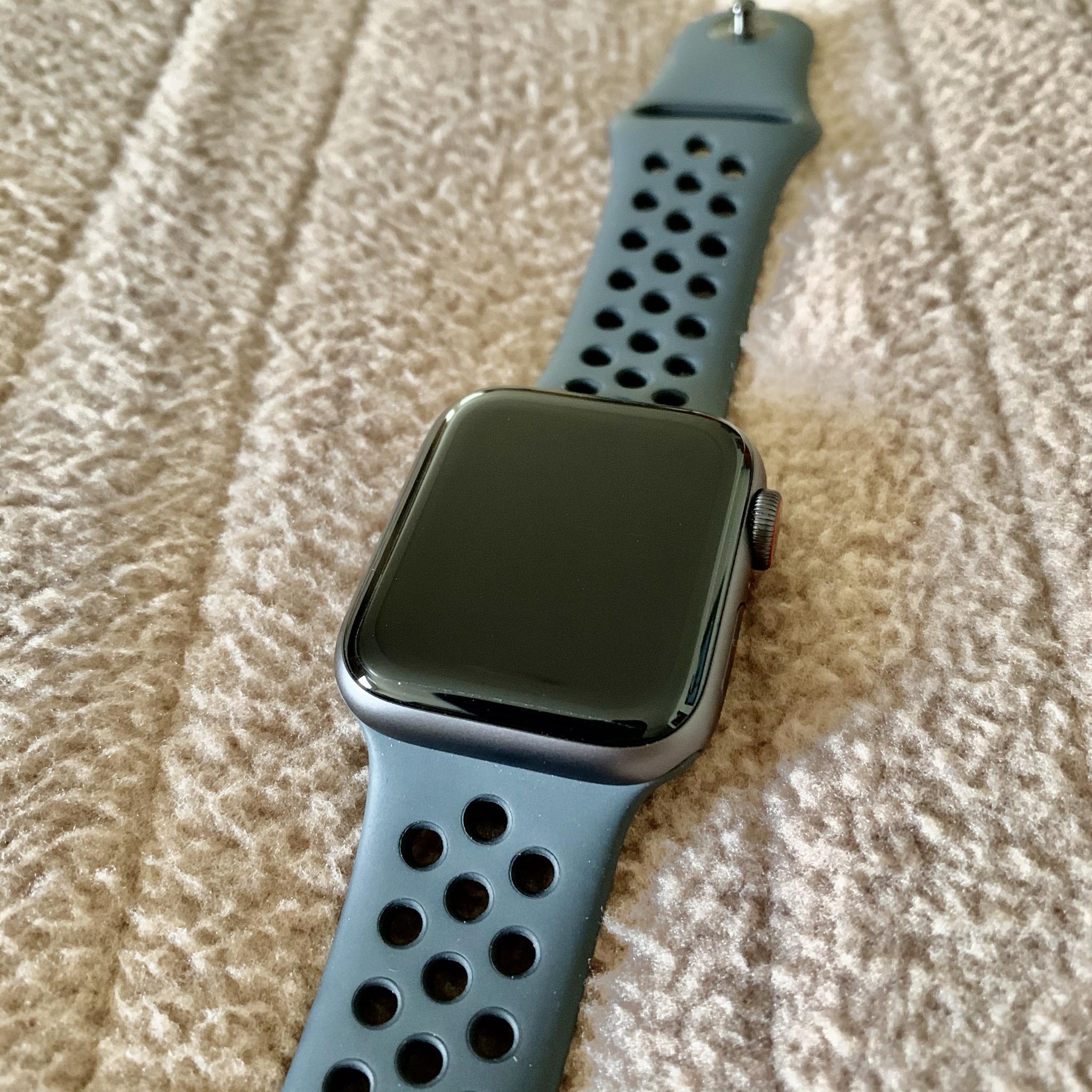 Rubí secuencia Vacante  Apple Watch - Wikipedia