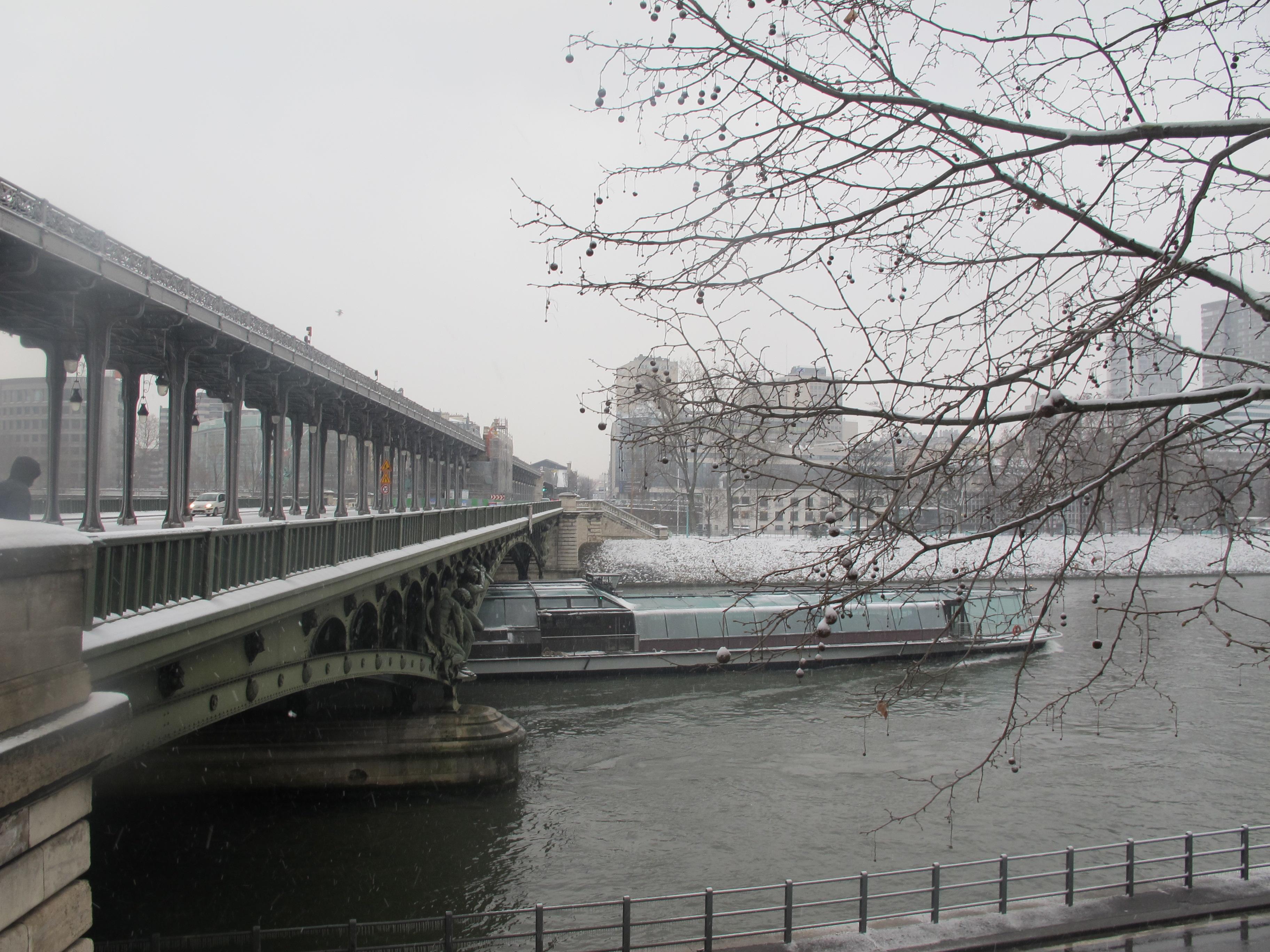 File bateau pont de bir hakeim jpg wikimedia commons - Vernis pont de bateau ...