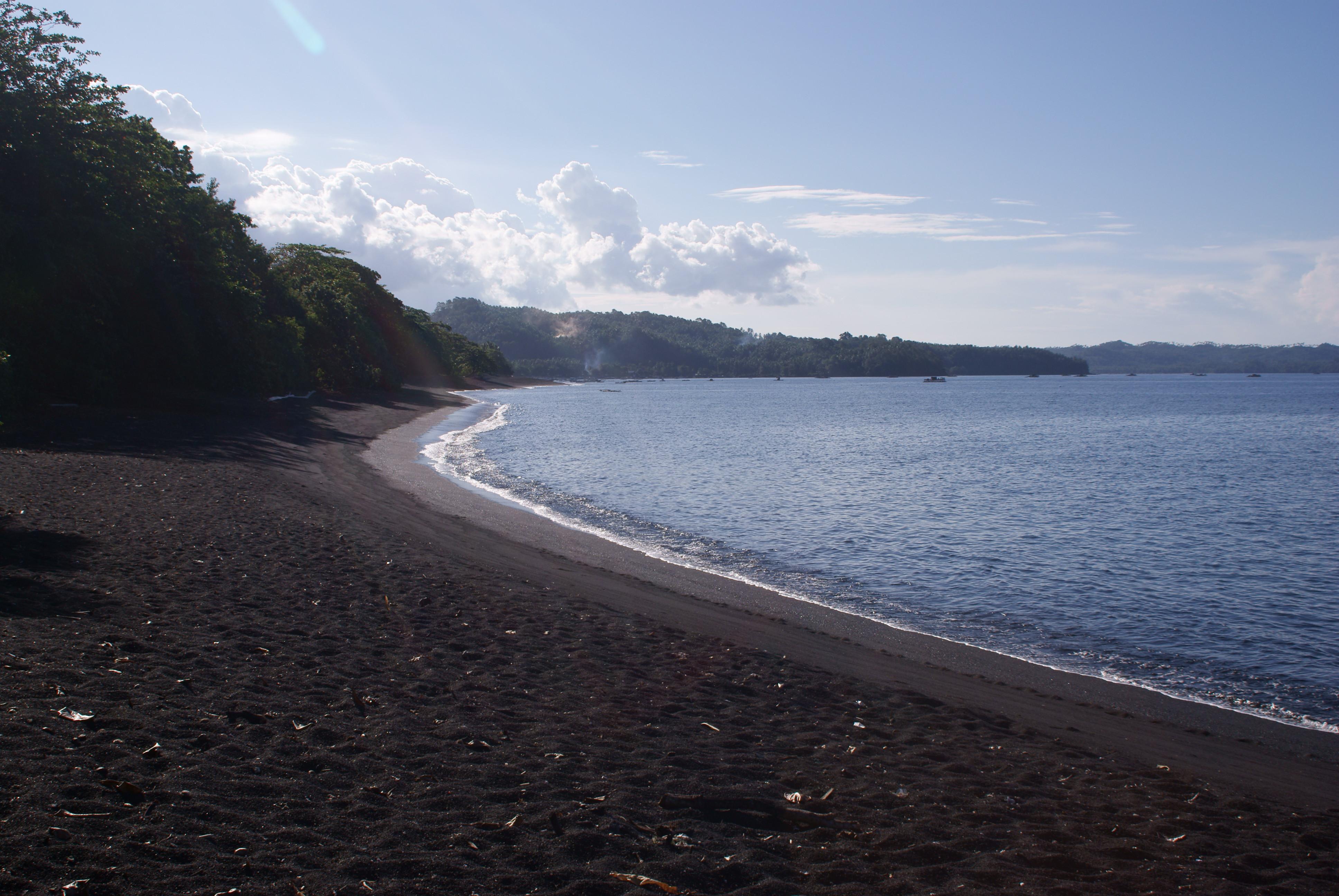 Pink Beach Indonesia Resorts