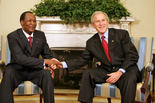 Blaise_Compaore_with_George_Bush_July_16