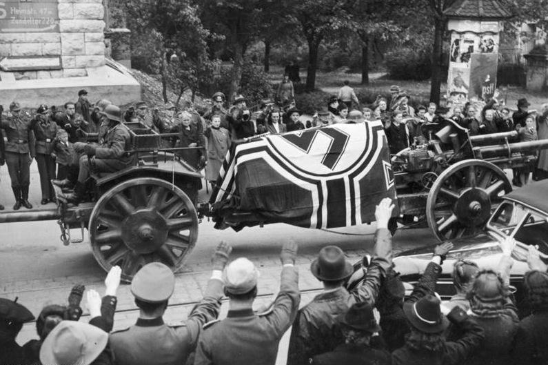 File:Bundesarchiv Bild 183-J30704, Ulm, Beisetzung Rommel.jpg