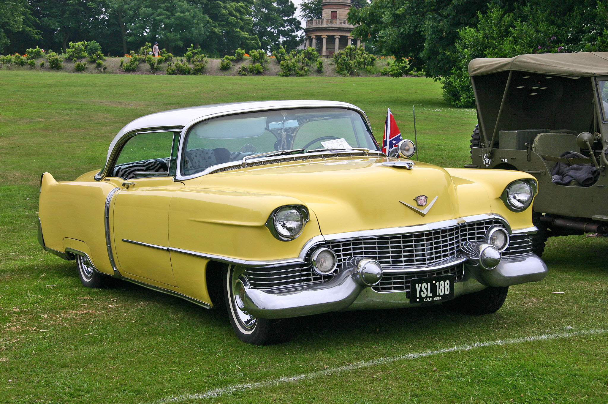 File:Cadillac Coupe de Ville 1954 front.jpg - Wikimedia Commons