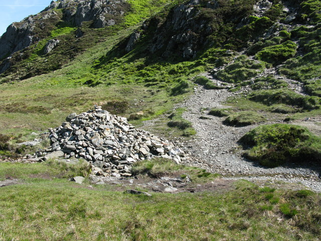 Cairn on the path up Ben Venue - geograph.org.uk - 1330726