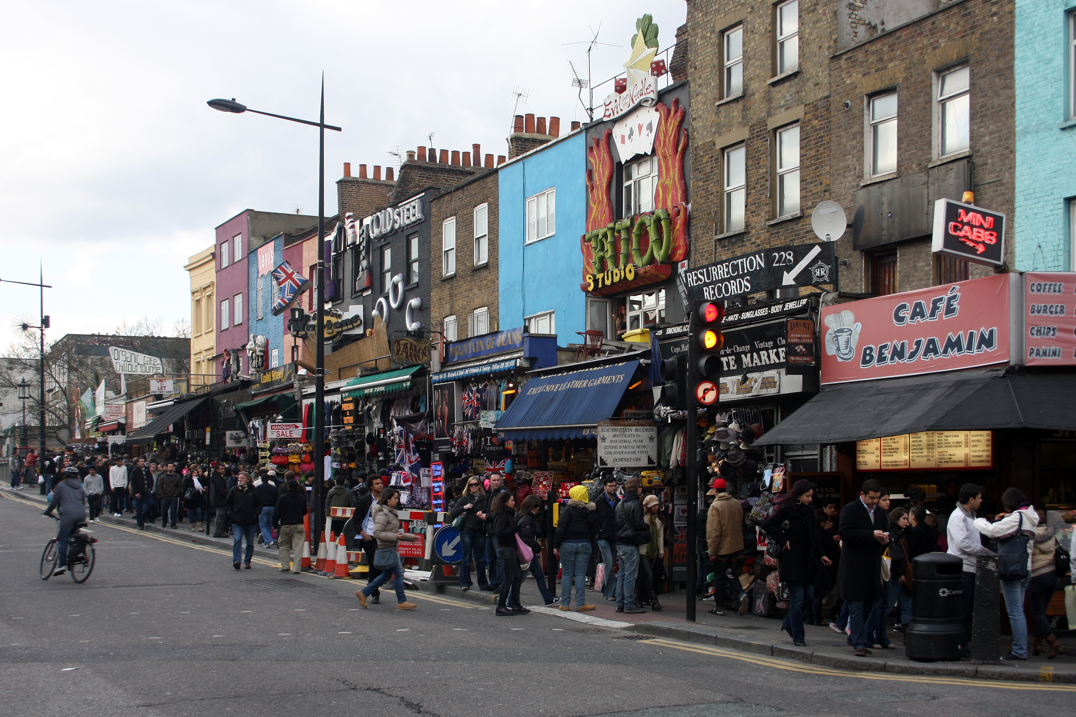 File:Camden Town-2.jpg